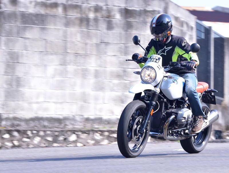 BMW Motorrad R nineT Urban GS  (16)