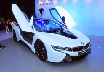 BMW i8 Coupe - 01