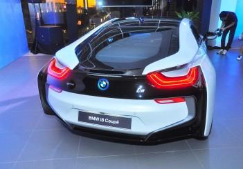 BMW i8 Coupe - 13