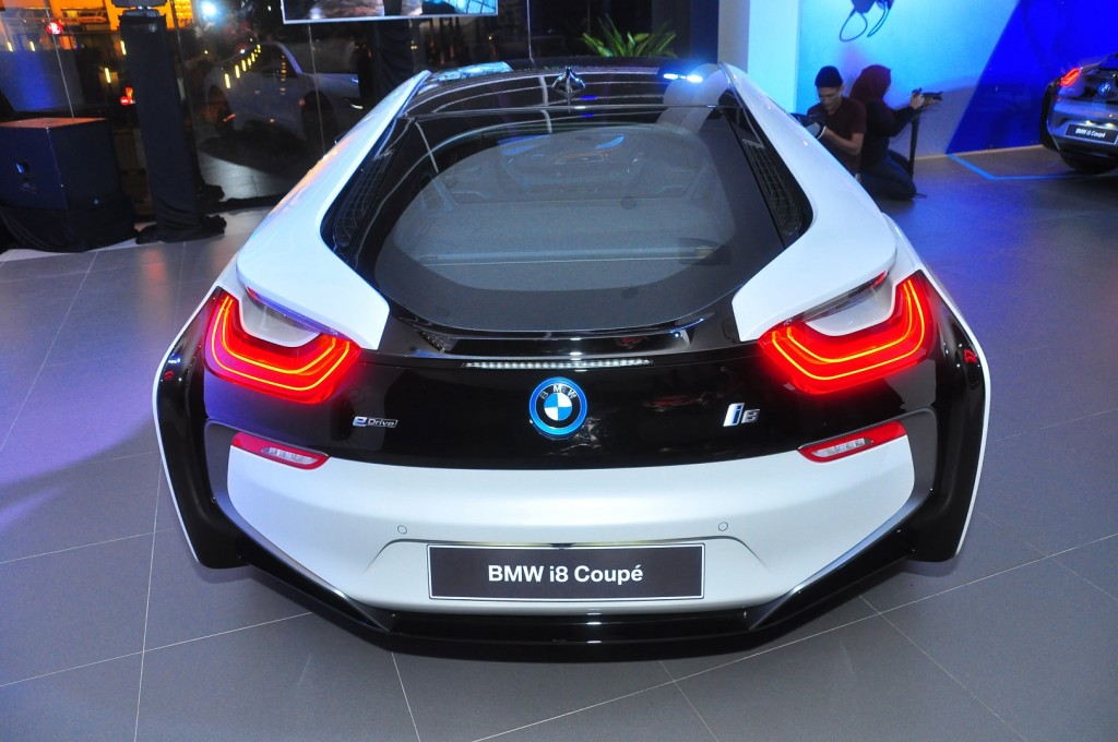 BMW i8 Coupe - 15