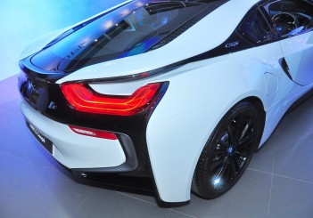 BMW i8 Coupe - 18