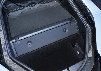 BMW i8 Coupe - 39