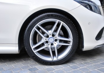 Michelin Primacy 4 - 02 Mercedes-Benz E 200 convertible