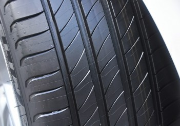 Michelin Primacy 4 - 06 Mercedes-Benz E 200 convertible