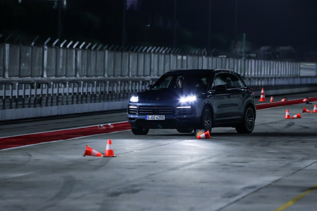 Porsche Cayenne E-Hybrid (1)