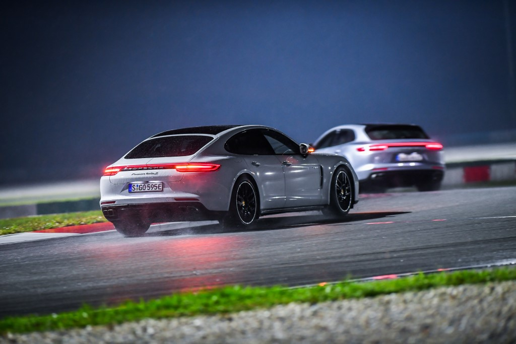 Porsche Panamera Turbo S E-Hybrid  (1)