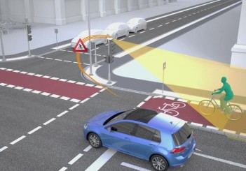 Volkswagen and Siemens - sensors at traffic lights detect cyclists and warn the driver