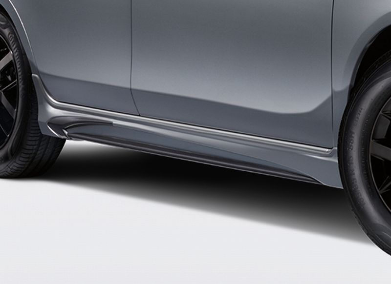 06 New Almera Black Series_TOMEI Side Skirts with Dark Titanium Accent