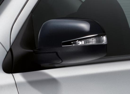 08 New Almera Black Series_Gloss Black Y-Spoke 15-inch Alloy Wheel