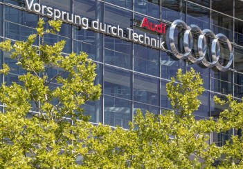 New power from old cells: Audi and Umicore develop closed loop b