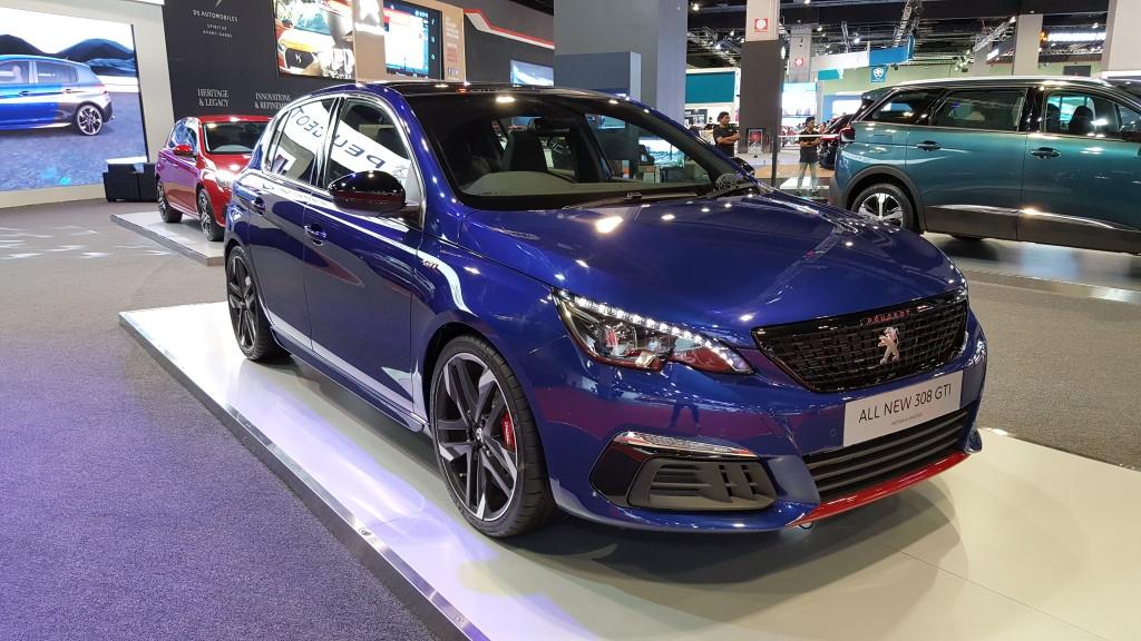 2018-Peugeot-308-GTi-2