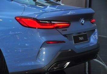 BMW 850i xDrive - 13