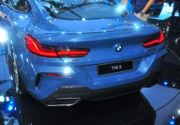 BMW 850i xDrive - 16