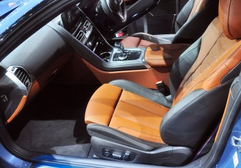 BMW 850i xDrive - 22
