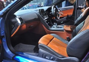BMW 850i xDrive - 23