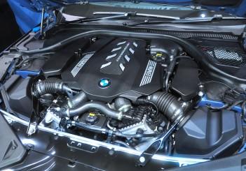 BMW 850i xDrive - 25