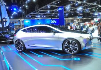 Mercedes-Benz Concept EQA - 06