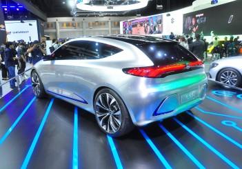 Mercedes-Benz Concept EQA - 08