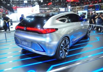 Mercedes-Benz Concept EQA - 10