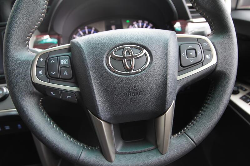 Toyota Innova 2-litre X (19)
