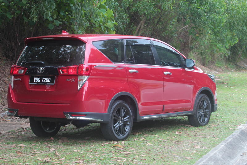 Toyota Innova 2-litre X (20)