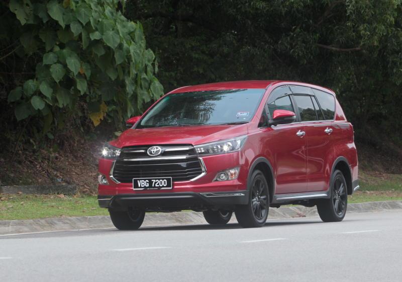 Toyota Innova 2-litre X (34)