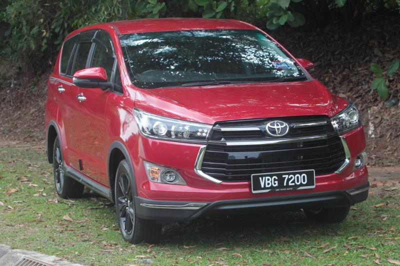 Toyota Innova 2-litre X (6)