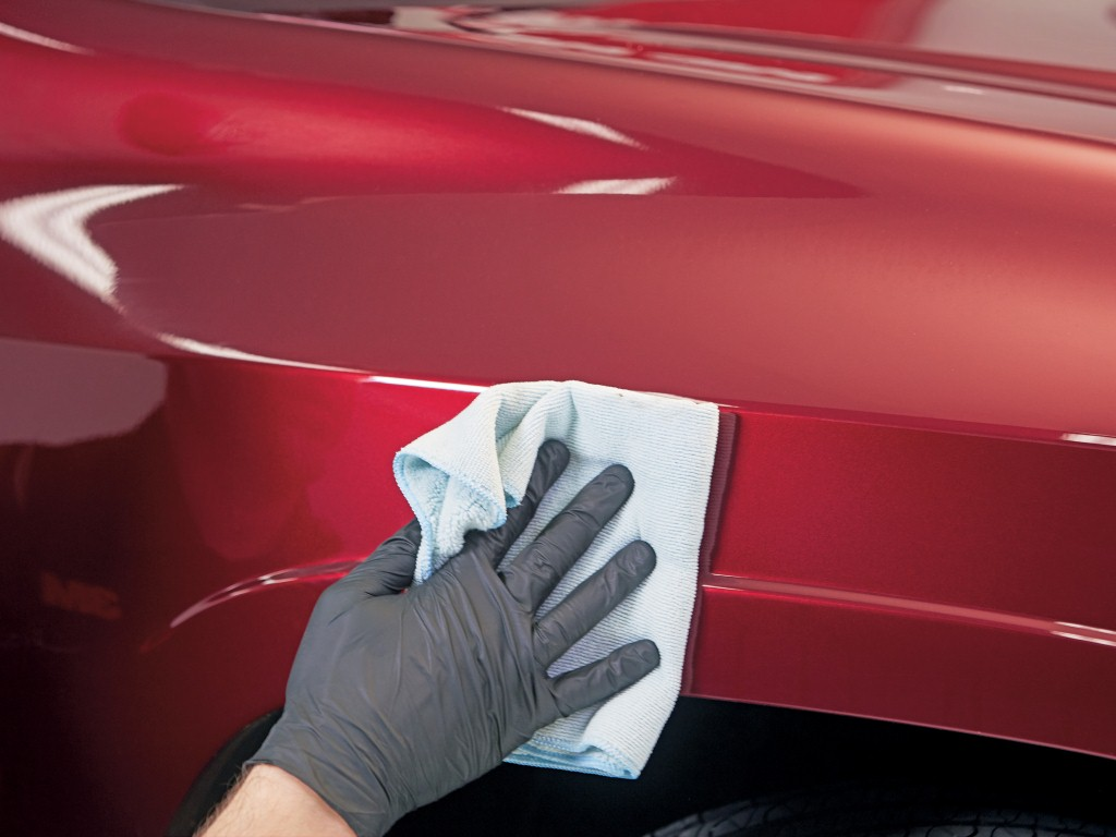 Protect your car's paint and give it a glossy shine with 3M Quick Wax.