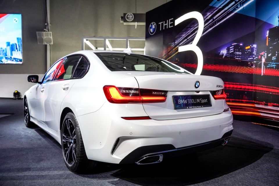09. BMW Malaysia Reveals the New Dimension of Sporting Prowess – the First-Ever BMW 330Li M Sport