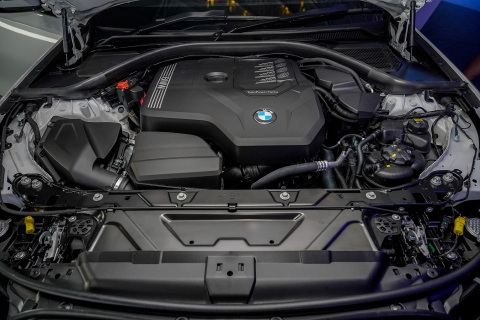 12. BMW Malaysia Reveals the New Dimension of Sporting Prowess – the First-Ever BMW 330Li M Sport