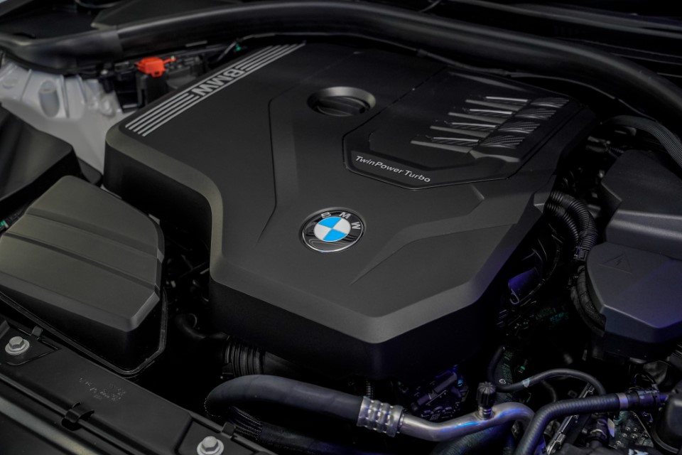 13. BMW Malaysia Reveals the New Dimension of Sporting Prowess – the First-Ever BMW 330Li M Sport