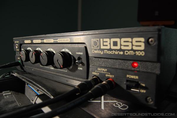 boss dm-100 delay