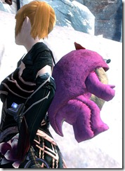 gw2-pink-quaggan-backpack-2