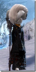 gw2-bloody-prince's-outfit-asura-2