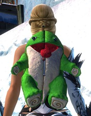 gw2-green-quaggan-backpack-2