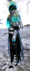 gw2-lunatic-guard-outfit-human-male-2