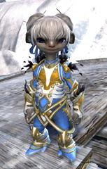 gw2-kasmeer's-regal-outfit-asura-4