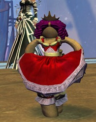 gw2-mini-princess-doll-wintersday-3