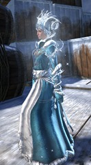 gw2-winter-monarch-outfit-hfemale-2
