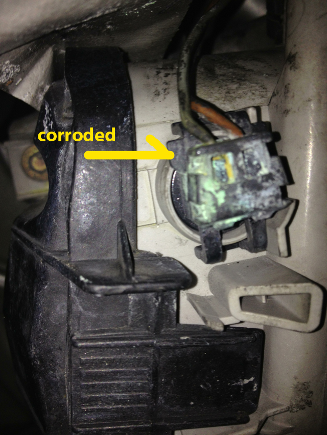 1998 W210 fog light wire is corroded and falls out. - Mercedes-Benz W Fog Light Wiring Diagram on