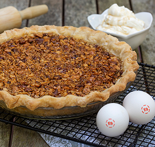MAPLE SYRUP 'N MIXED NUT PIE WITH MAPLE CREAM