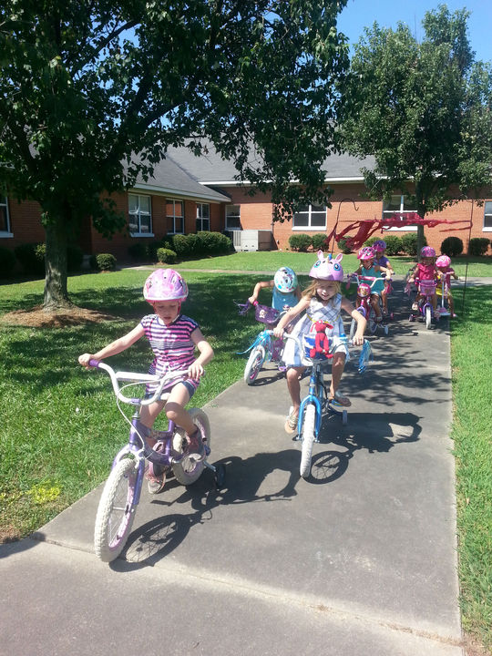 Grace%20preschool%20bike%20safety%20day-web