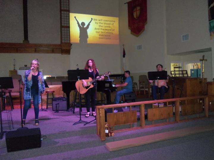 Worship2-web