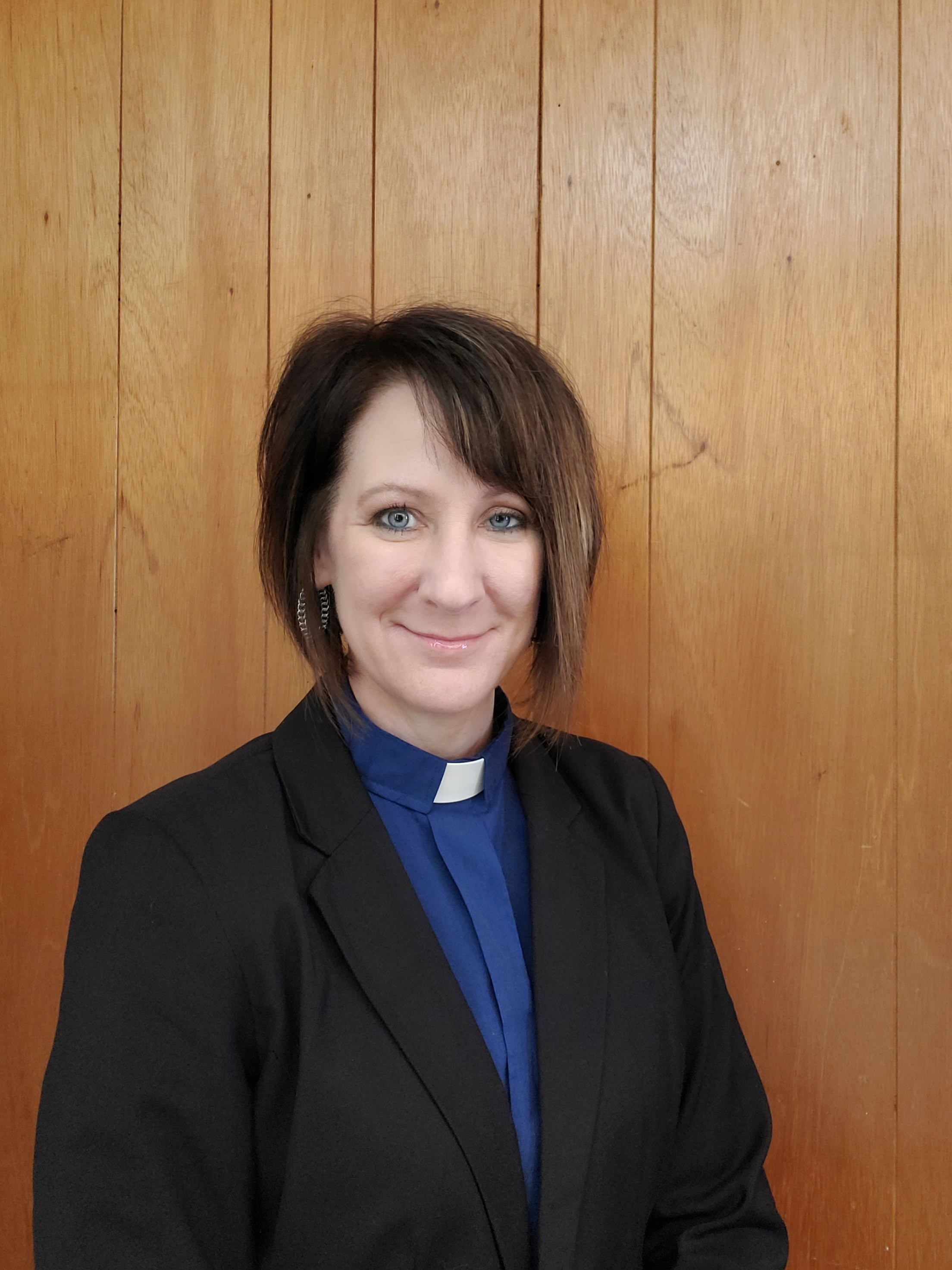Pastor Shellie Knight