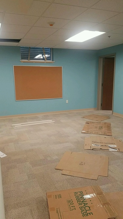 Classroom%20with%20carpet%201-web