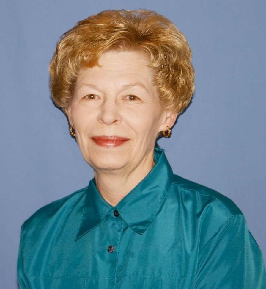 Organist Beverly Nagle