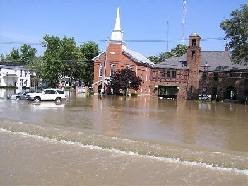 2007%20flood%20front-web