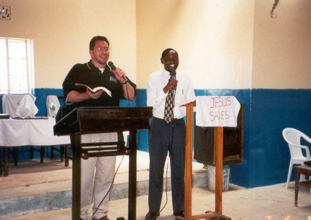 Pastor%20rob%20cain%20preaching%20at%20baptist%20chapel,%20nairobi,%20with%20pastor%20euticauls%20wambua%20(2002)-web