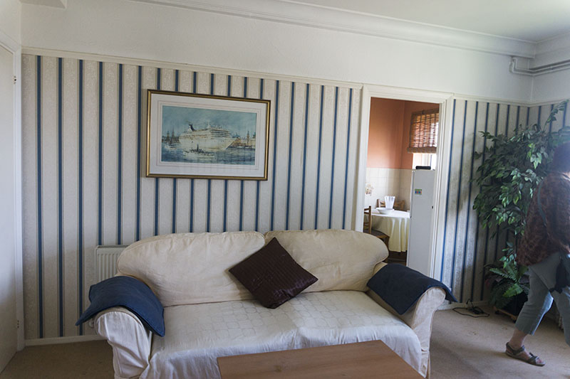 paintings-blue-striped-wallpaper-new-flat