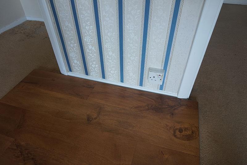 wellington-oak-high-end-luxury-vinyl-by-wallpaper